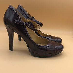 New Listing! 9-west burgundy heels 7.5